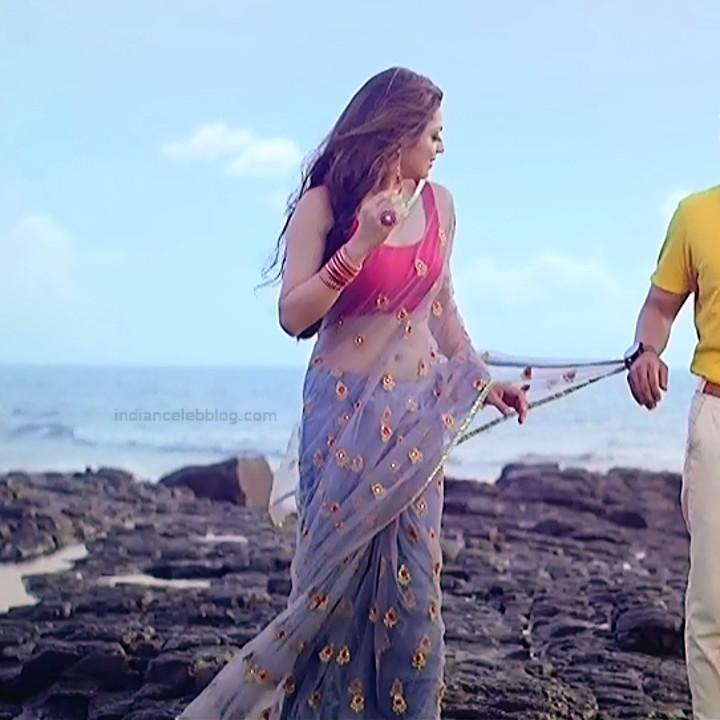 Drashti Dhami Hindi TV actress SilsilaS1 2 hot saree pics
