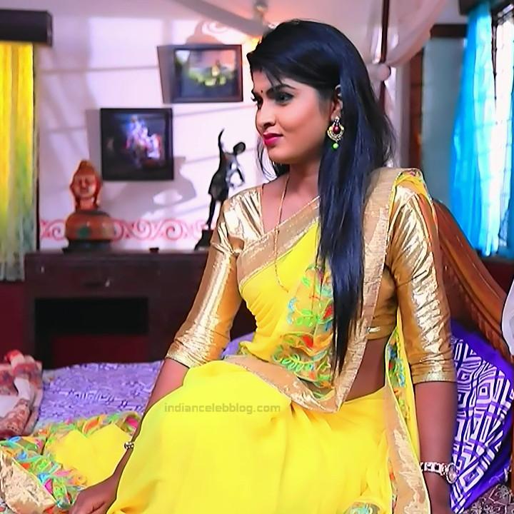 Kannada TV serial actress Bili HS1 13 hot saree caps