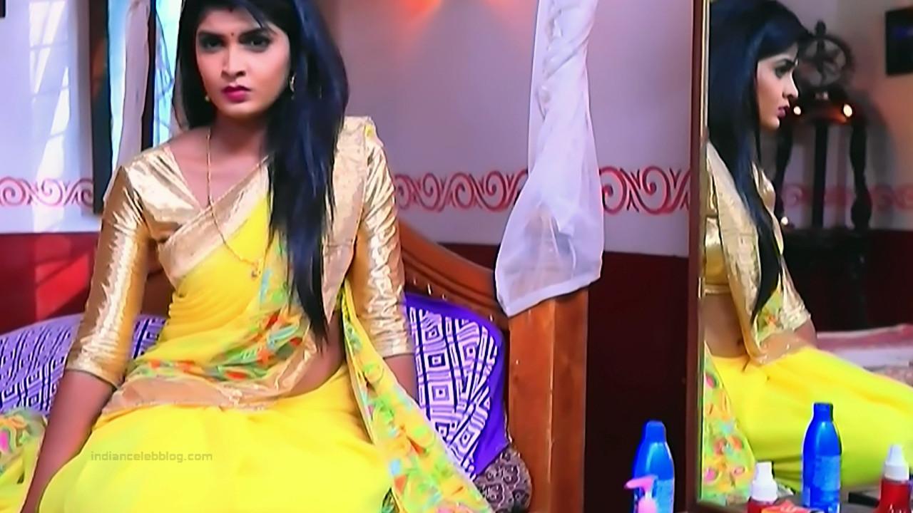 Kannada TV serial actress Bili HS1 14 hot saree caps