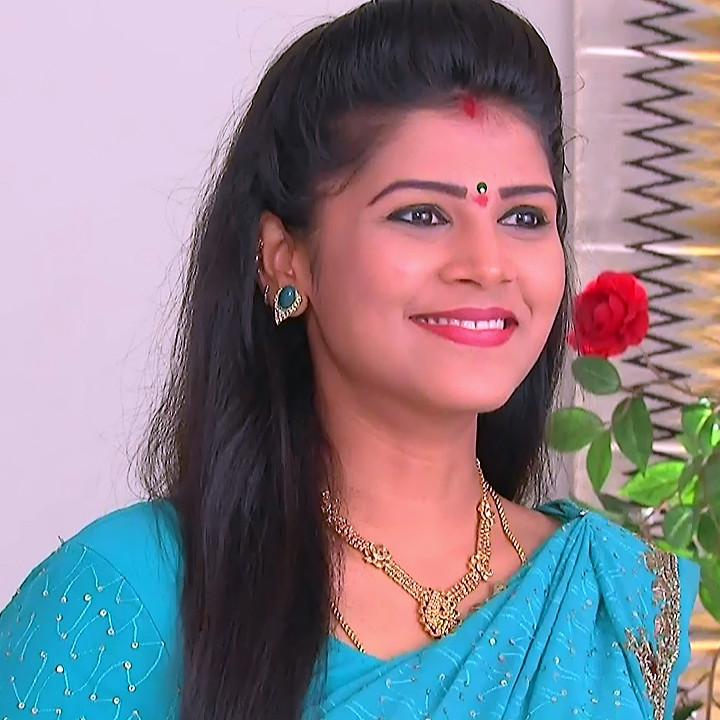 Sangeetha Kamath shravya karthika deepam actress 11 hot saree photo