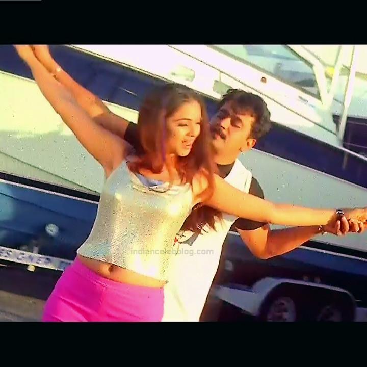 Simran Arjun Ezhumalai Tamil movie Stills S1 3 hot photo