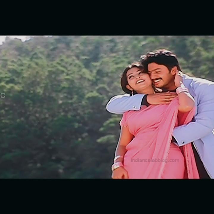 Sneha Tamil film actress S1 10 April maadhathil movie stills