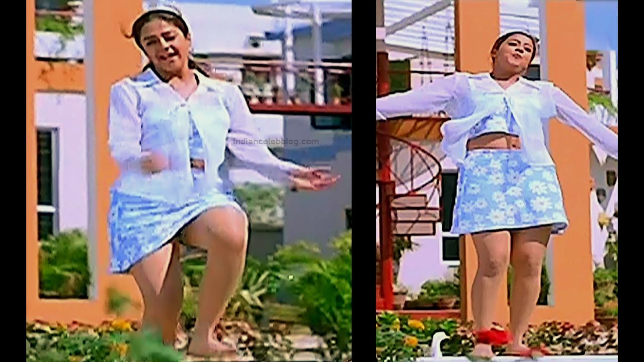 Jothika Tamil actress Poovellam un vasam S1 2 hot stills