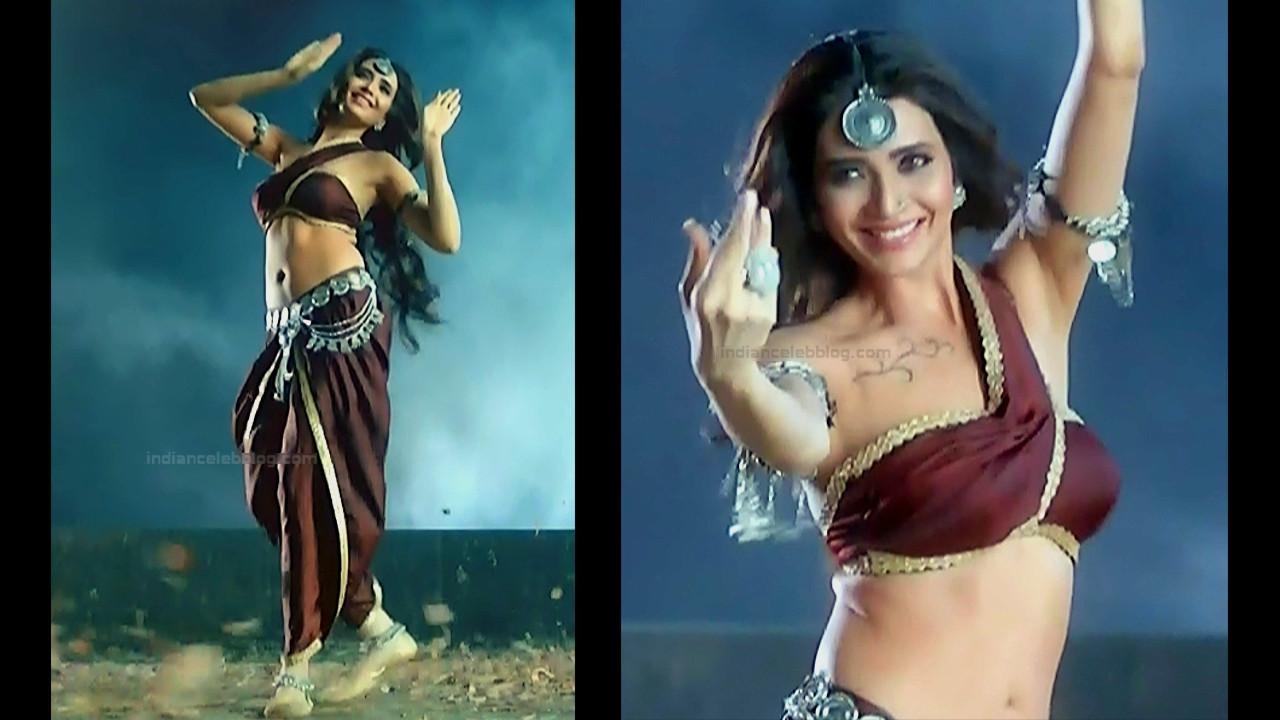 Karishma Tanna Hindi TV actress Naagin 3S1 3 hot pics