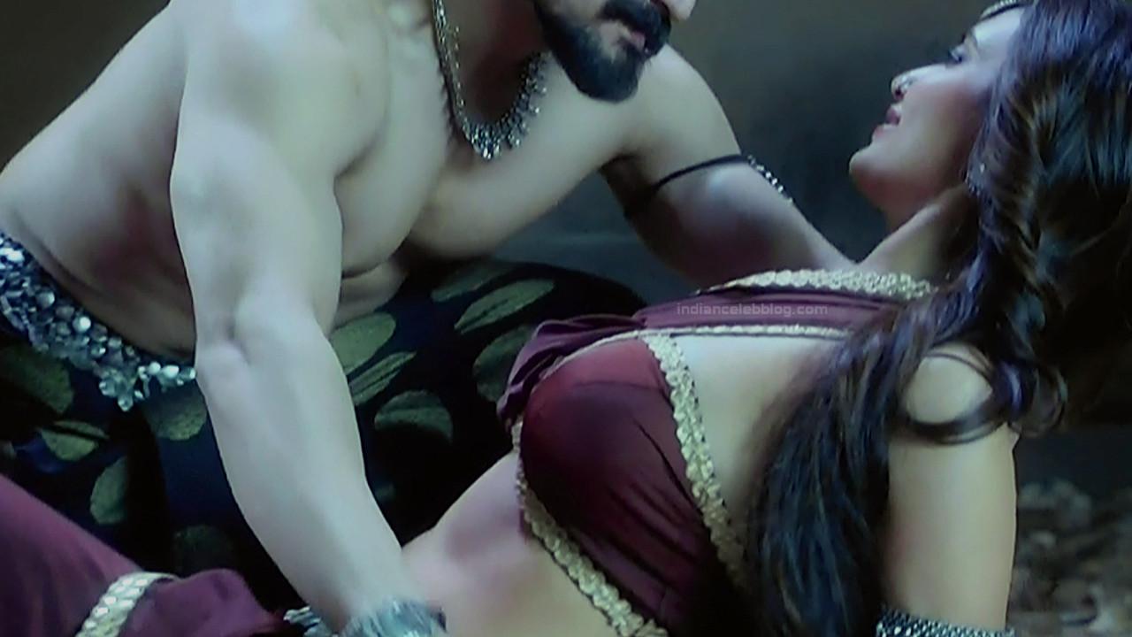 Karishma Tanna Hindi TV actress Naagin 3S1 8 hot photo