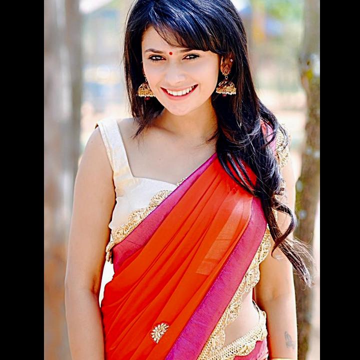 Kavya Gowda Kannada TV actress 12 hot saree photo