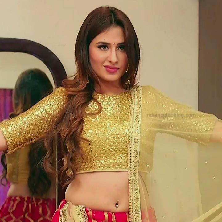 Mahira sharma Hindi tv actress Naagin 3S1 3 hot lehenga photo