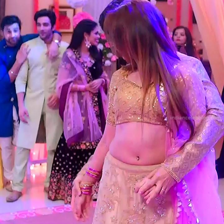 Mahira sharma Hindi tv actress Naagin 3S1 7 hot lehenga photo