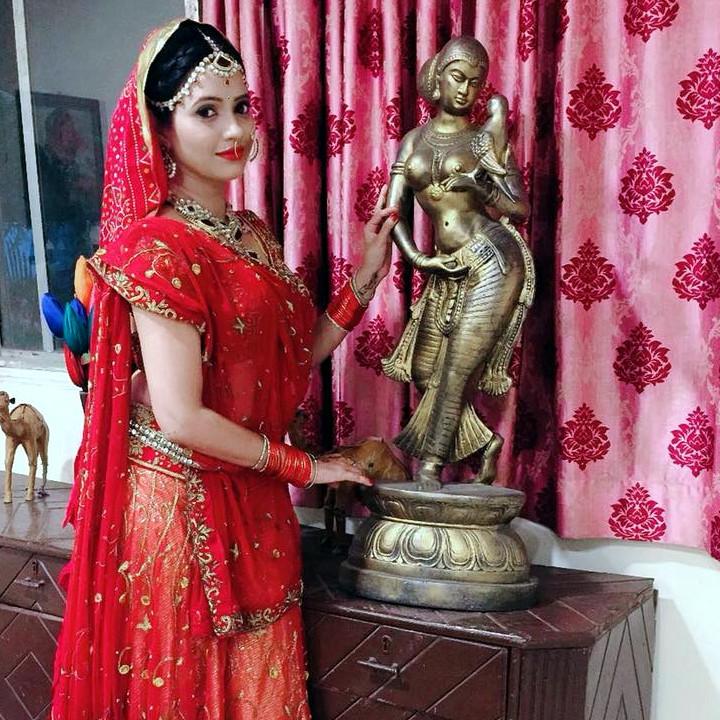 Roshni rastogi hindi tv actress CelebTS1 6 hot saree photo