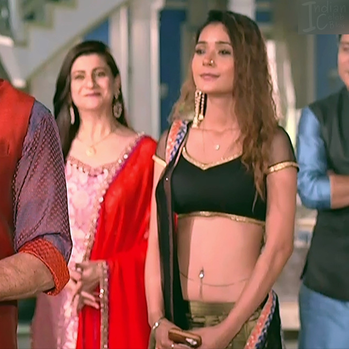 Sara khan hindi serial actress Shakti AS2 13 hot lehenga choli photo