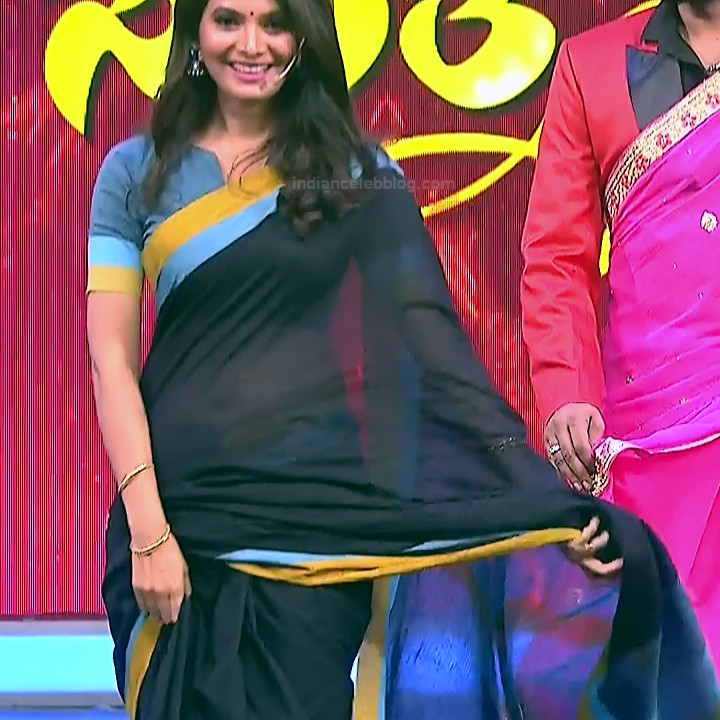 Shwetha R Prasad Kannada TV actress Radha RS1 12 saree navel photo