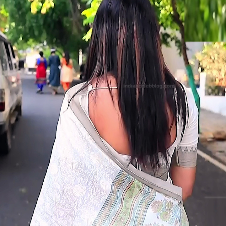Shwetha R Prasad Kannada TV actress Radha RS1 2 Saree photo