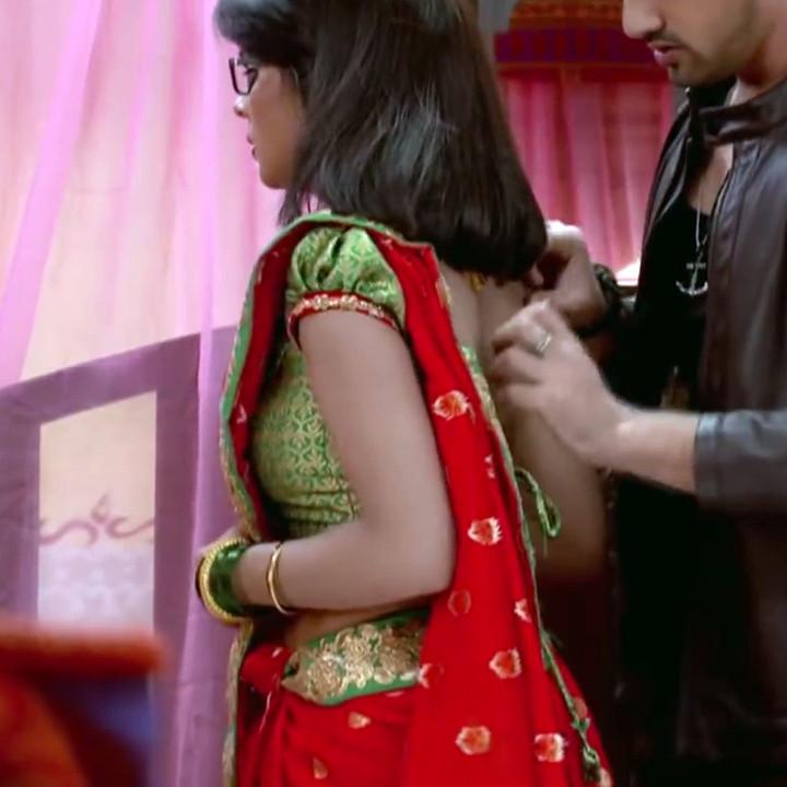 Sonal Vengurlekar hindi tv actress YehVRS8 10 hot sari photo