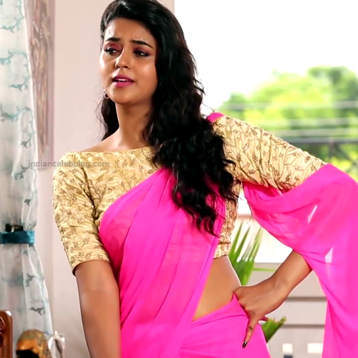 Chaitra reddy Tamil tv actress Yaarudi NMS1 2 hot saree photo