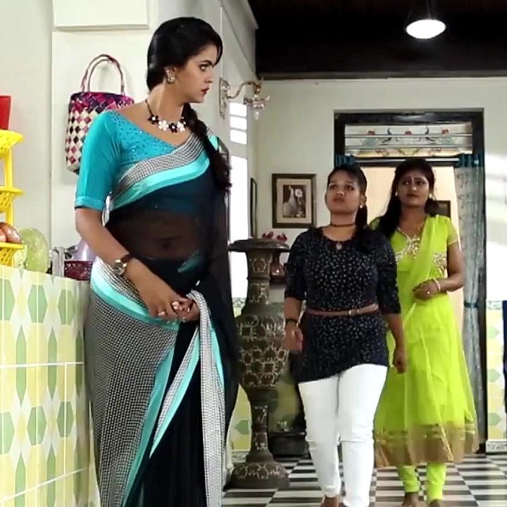 Chaitra reddy Tamil tv actress Yaarudi NMS1 4 hot saree photo