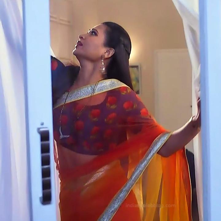 Parineeta borthakur hindi tv actress Bepannah S1 12 hot saree caps