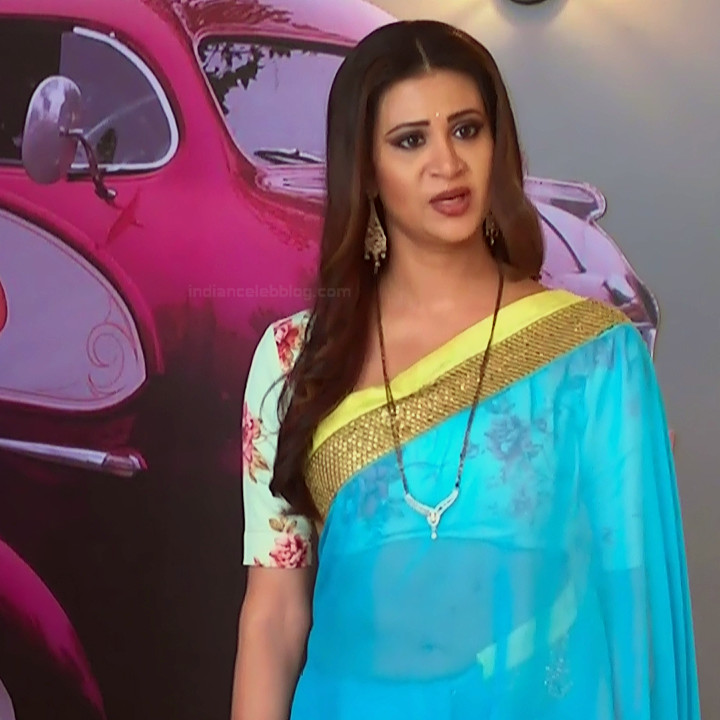 Parineeta borthakur hindi tv actress Bepannah S1 16 hot saree photo