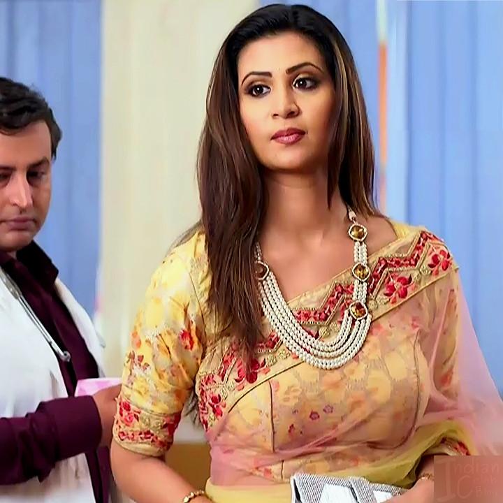 Parineeta borthakur hindi tv actress Bepannah S1 4 hot sari photo