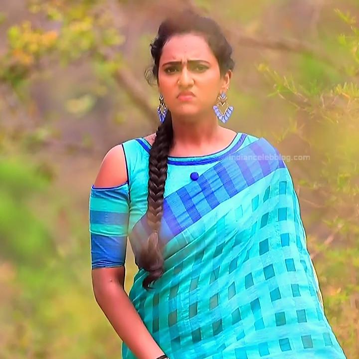 Priyanka Kannada TV actress Agnisakshi S12 hot saree photo