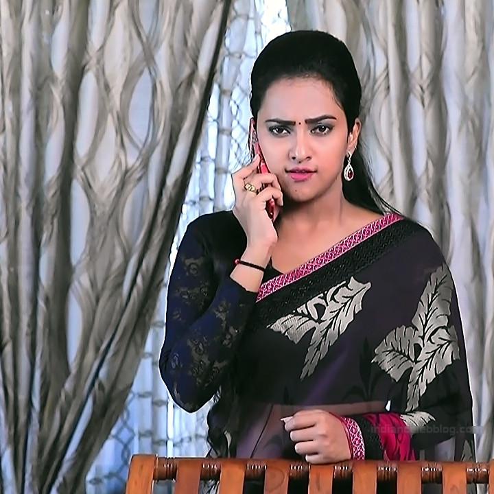 Priyanka Kannada TV actress Agnisakshi S14 hot saree caps