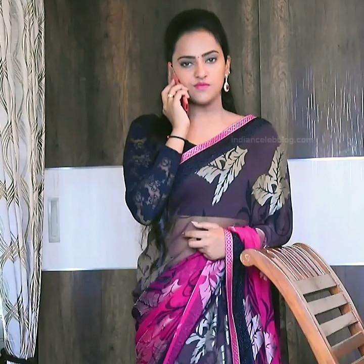 Priyanka Kannada TV actress Agnisakshi S15 hot saree caps